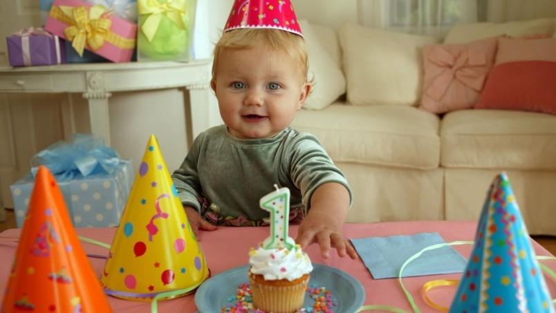 Отмечаем день рождение ребенка, один год